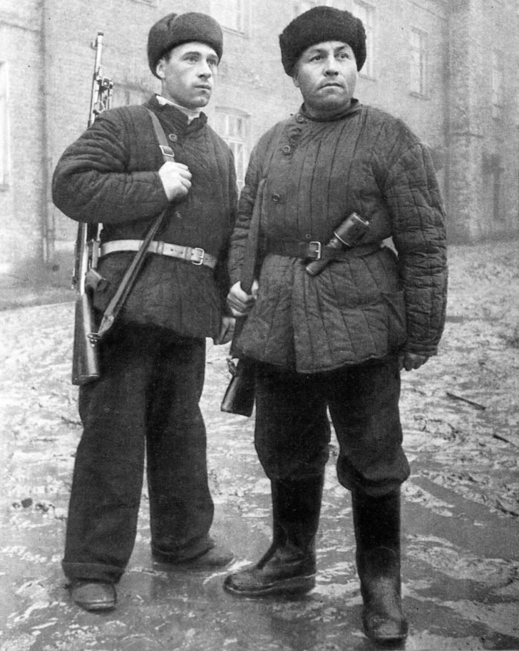 The soldiers of the working battalion