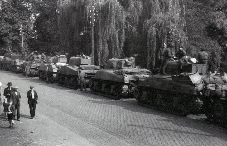 Sherman tanks, Hell's Highway