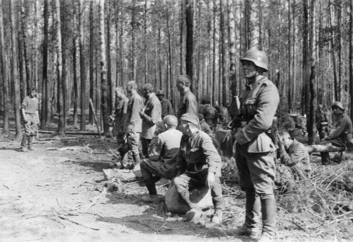 Red Army soldiers, German soldiers