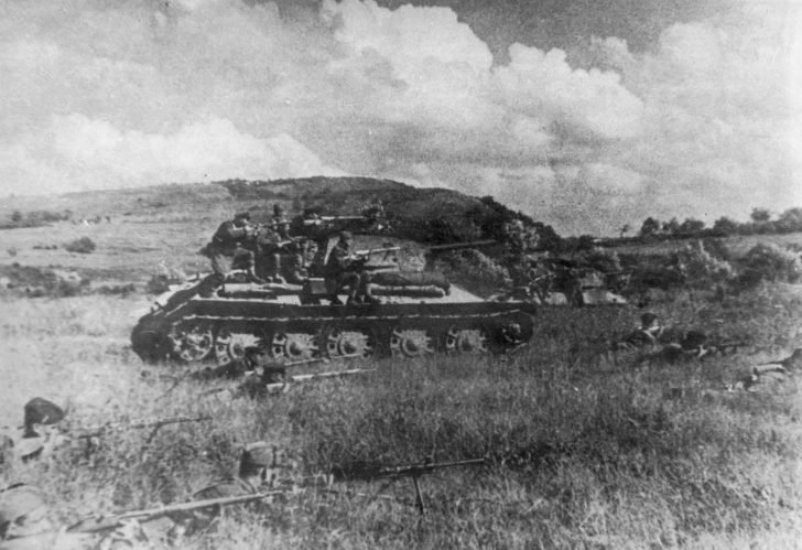 Infantry of the Red Army, T-34 tanks