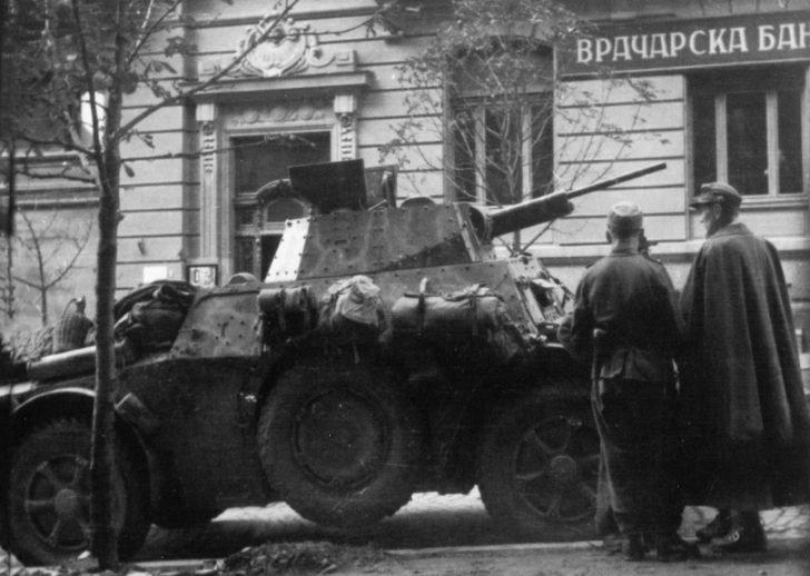 German military, Autoblinda 43 armored car