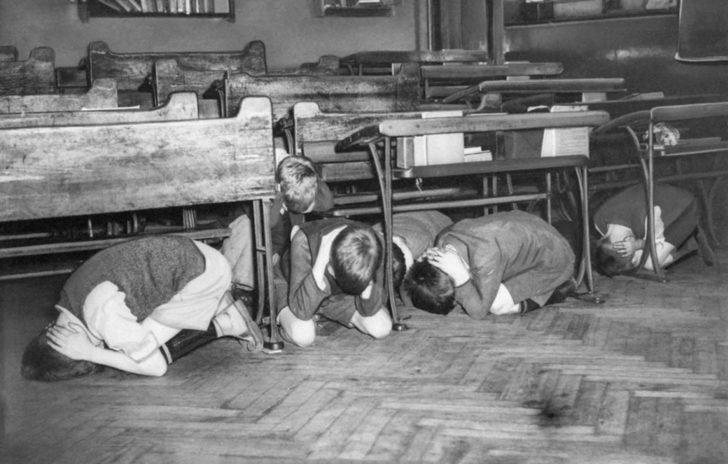 London school children