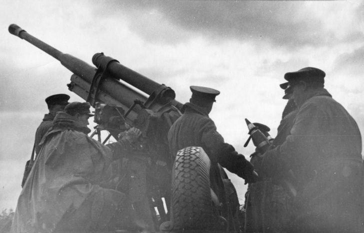 85-mm anti-aircraft gun