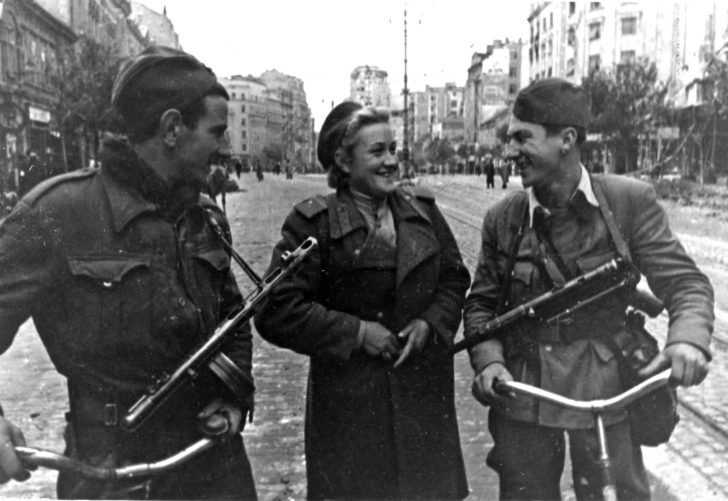 A sergeant of the Red Army, fighters of the Yugoslav People's Liberation Army