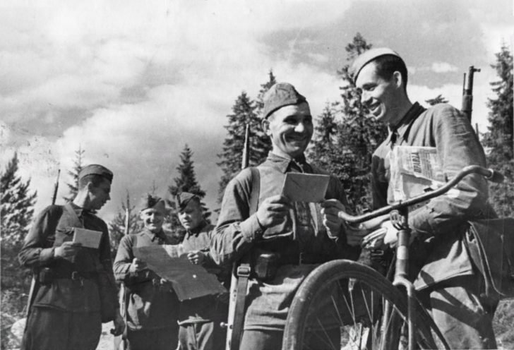 Military postman, soldiers of the Red Army