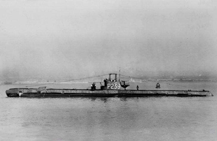 Surf submarine