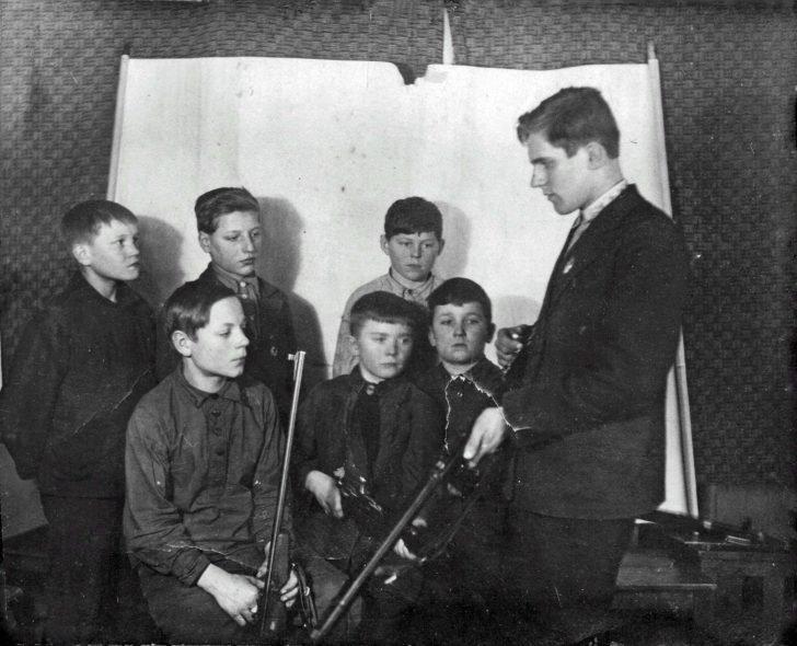 Schoolchildren of the city of Molotovsk