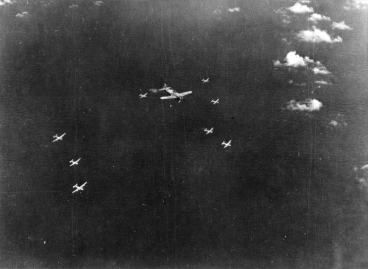 P-47D Thunderbolt, B-24 Liberator