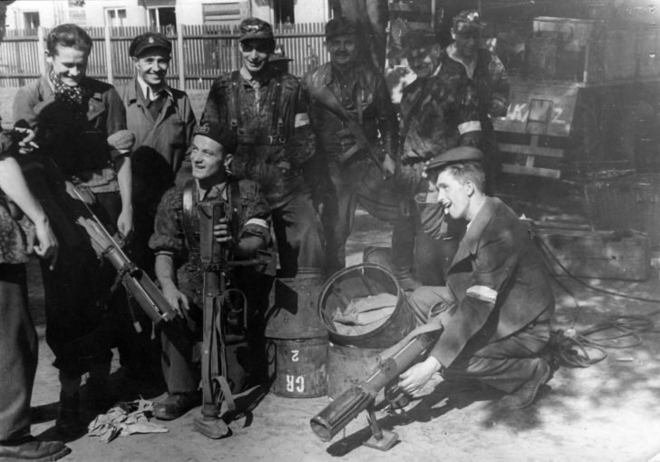 Warsaw rebels, PIAT