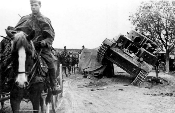German horse-drawn convoy, T-28 tank
