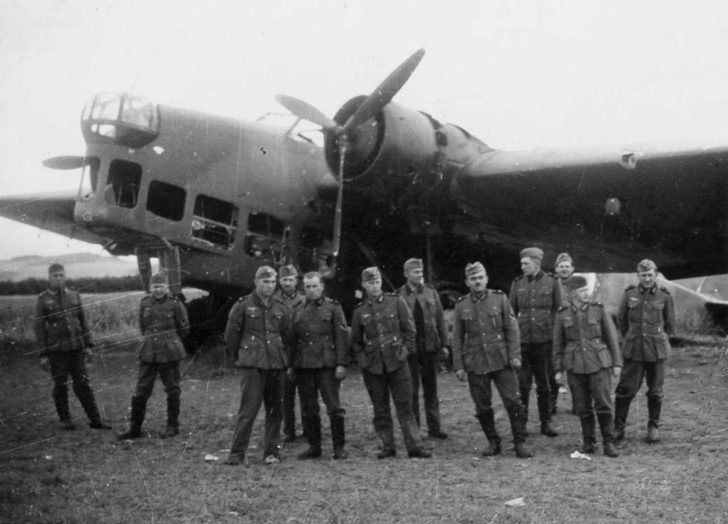 German soldiers, Amiot 143